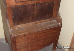 movel muito antigo, antigo wc de quarto
