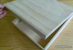 Caixa de madeira de pinho com tampa