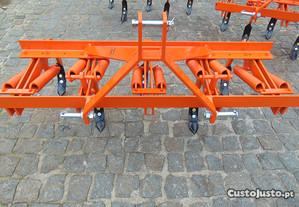 Escarificador de 1,30mts para Trator, com 5 Bicos