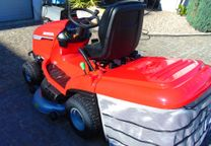 Trator Corta Relva Honda HF2625HT, 25cv