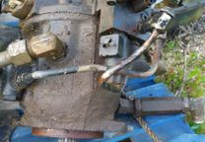 RetroEscavadora-Bomba hidraulica komatsu W93R