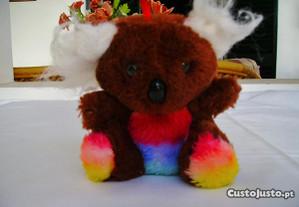 Urso de Peluche Castanho com riscas às Cores!