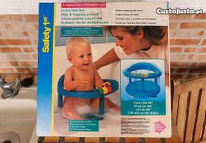 Cadeira giratória para banho do bebé