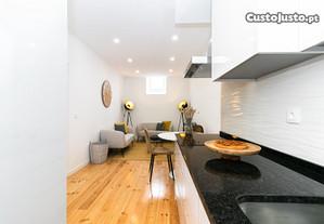 Arroios T2 Remodelado Cozinha Equipada