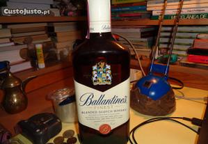 Garrafa Whisky Ballantines