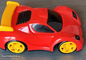 Carro telecomandado da Toys R Us