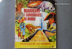 Caderneta de cromos Maravilhas e Curiosidades do M