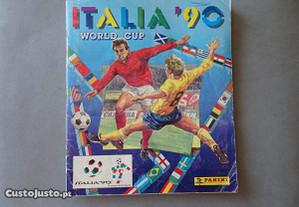 Caderneta de cromos de futebol Itália 90 (tem 315