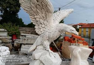 Estatuas em cimento Branco