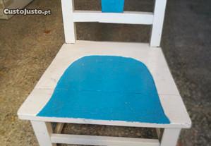 Cadeira pequena