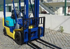 Empilhador Komatsu 1.5 toneladas