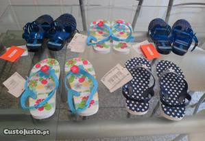 5 pares de chinelos novos para criança