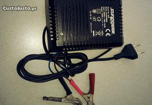 Carregador de bateria Auto/Moto