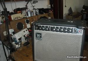 Amplificador de Guitarra Music Man