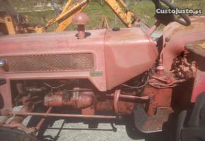 Trator agrícola internacional 444