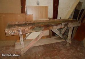 Bancada de carpinteiro usada