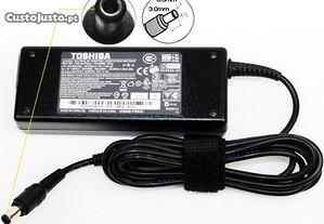 TOSHIBA Carregador Original AC Adapter 15V 5A 75W