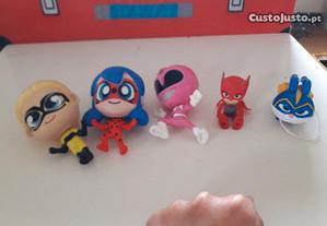 Bonecos super-heróis