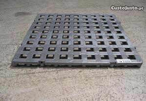 Estrado plástico balneário 500x500x23,5 mm 4=1M2