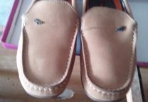 sapatos de criança bege