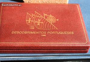 Estojo Com 4 moedas PROF de 100$00, 1988 dos Desc
