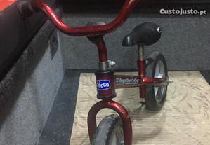 Triciclo sem pedais