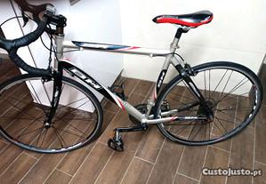Bicicleta de estrada BH