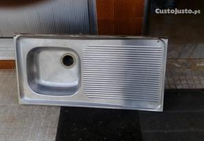 Banca em metal 99 x 50