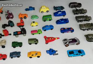 Miniaturas Carros Aviões e bonecos antigos
