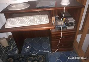 Mesa/Secretária de Computador