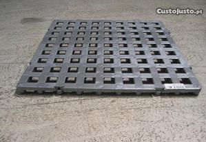 Estrado balneário plástico 500x500x23,5mm Cinza
