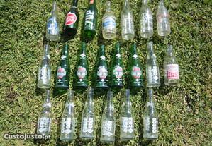 Garrafas antigas sumo refrigerantes água cola