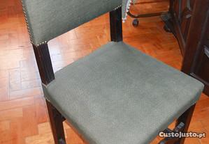 Cadeiras de Madeira Rústicas