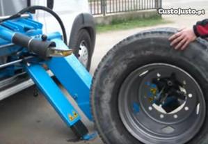 Desmontadora de pneus industriais p/ oficina móvel