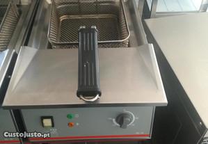ACM910 - Fritadeira com cuba de 18 litros. Trifási