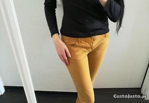 Calças Amarelas da Stradivarius