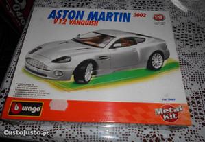 KIt Burago Aston Martin Escala 1/18