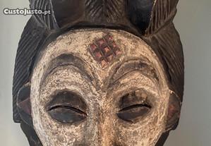 Máscara madeira