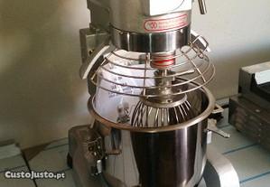 Batedeira industrial 10 litros NOVA