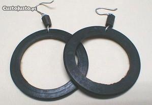 Brincos argola madeira 4cm - 5 pares