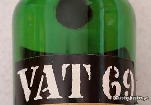 Garrafa de whisky VAT69