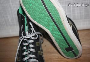 Sapatilhas cano alto pretas e verdes Onitsuk T.38