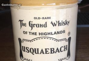 Whisky Usquaebach decante