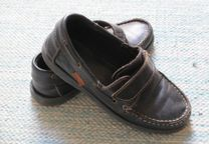 Sapatos em Pele nº27 e nº 30