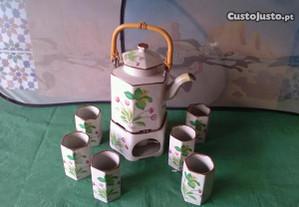 Serviço de chá chinês com cuador para chá em louça