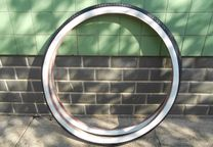 Bicicleta Pasteleira pneus bicolor 28x1 1/2