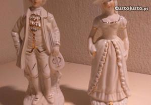 Casal de Bonecos 20cm Porcelana Vidrada Dourada