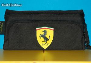 Bolsas originais da Ferrari.