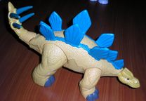 Dinossauro Estegossauro marca Fisher Price