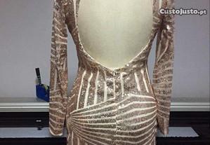 vestido de lantejoulas com costas abertas novo